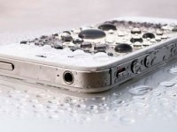 caida-iphone-piscina